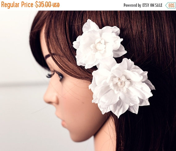 Mariage - 7141_White hair flowers, Floral hair accessories, Hair clip flower, Bridal hair flower, Flowers hair, Wedding hair accessory, Floral piece.