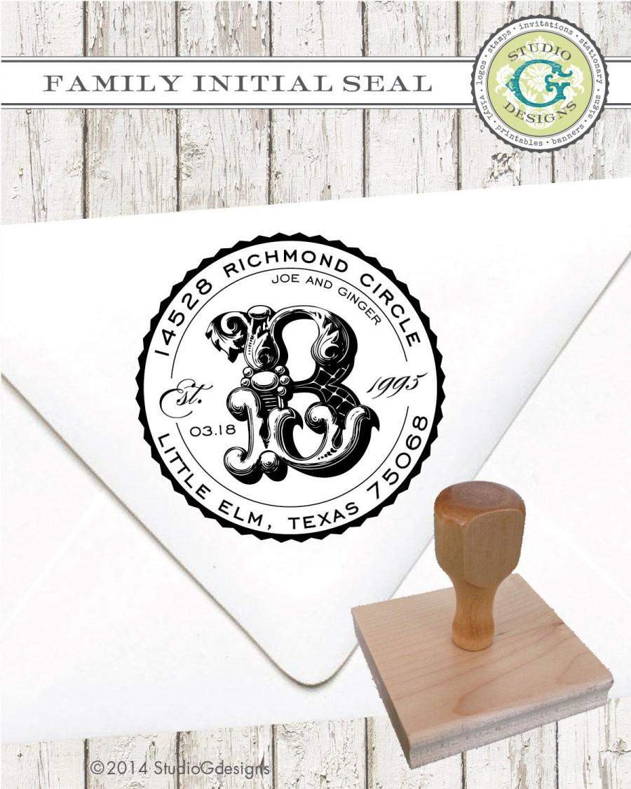 Свадьба - Return Address Stamp – 2 inch FAMILY INITIAL SEAL –Personalized Name Established Date Wedding Paper Goods