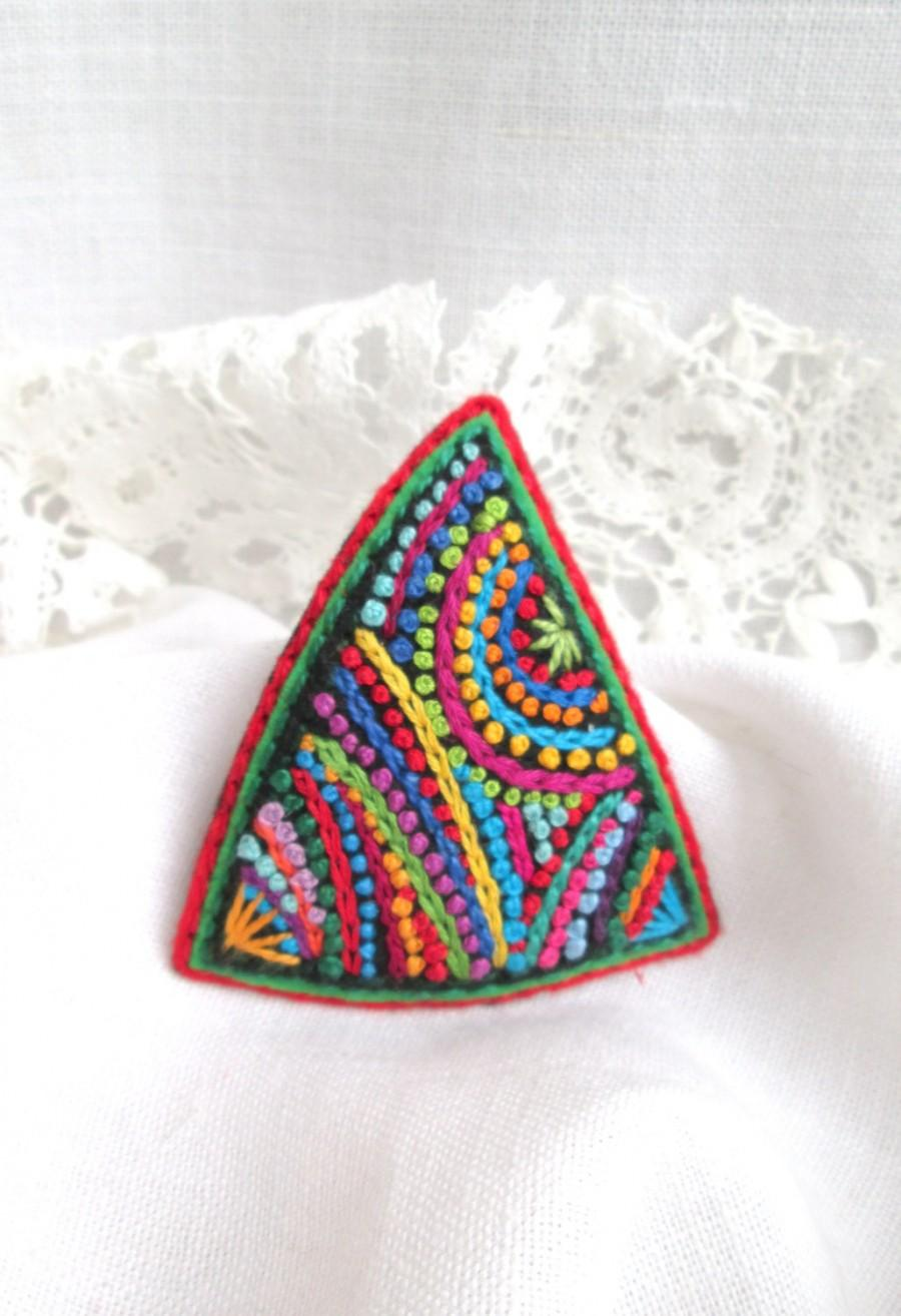 brooches embroidery brooch pinterest crochet pin