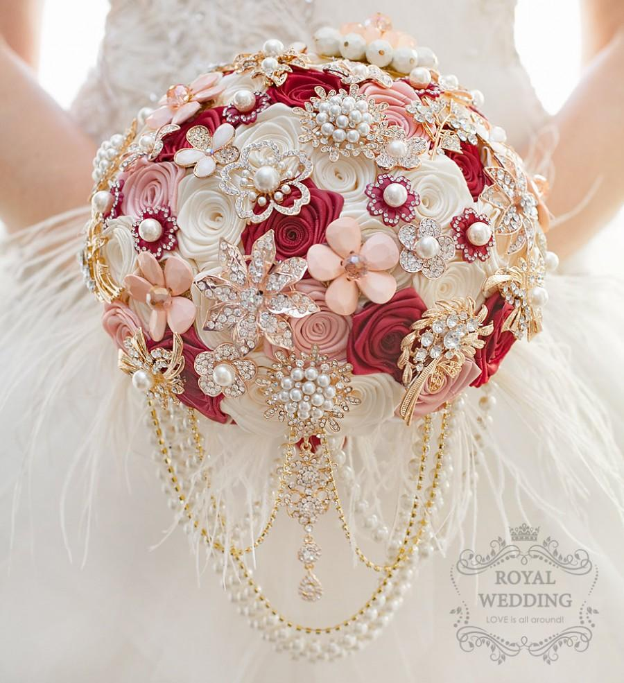 Mariage - Wedding Bouquet Brooch Bouquet Bridesmaids Bouquet Bridal Bouquet Keepsake Bouquet Marsala Bouquet Ivory Blush Pink Bouquet Feather Bouquet