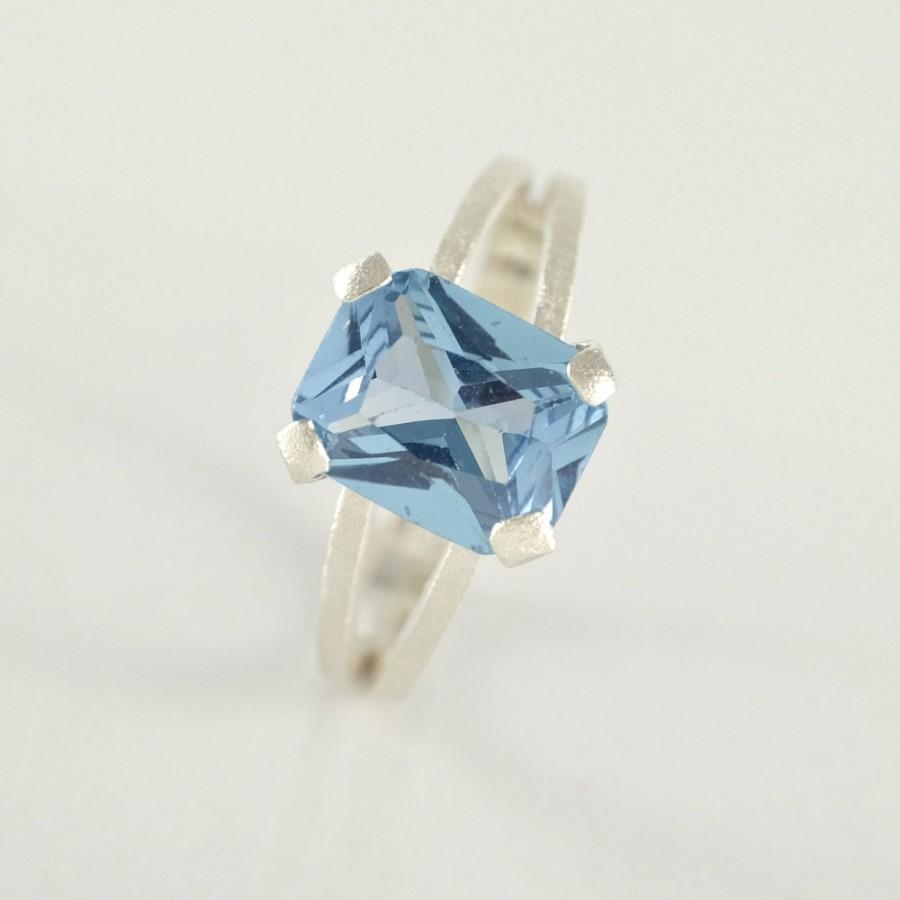 Mariage - December Birthstone Blue Topaz Ring, Blue Topaz Engagement Ring, Sterling Silver Ring, Blue Topaz Jewelry, Emerald Cut Ring Gift for Women