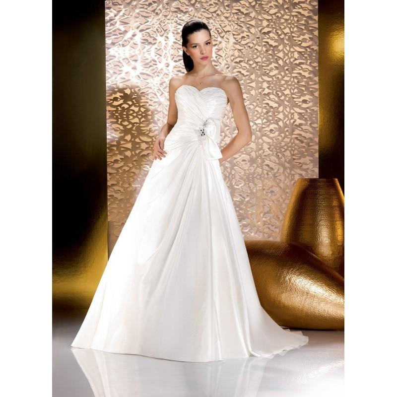 Mariage - Just for you, 135-44 - Superbes robes de mariée pas cher
