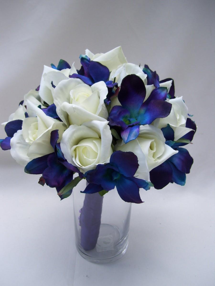 Jennifers bridal bouquet with blue violet dendrobium orchids white jennifers bridal bouquet with blue violet dendrobium orchids white closed rosessingaporegalaxy junglespirit Images