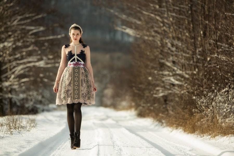 Свадьба - Beige lace dress, dark blue lace applique