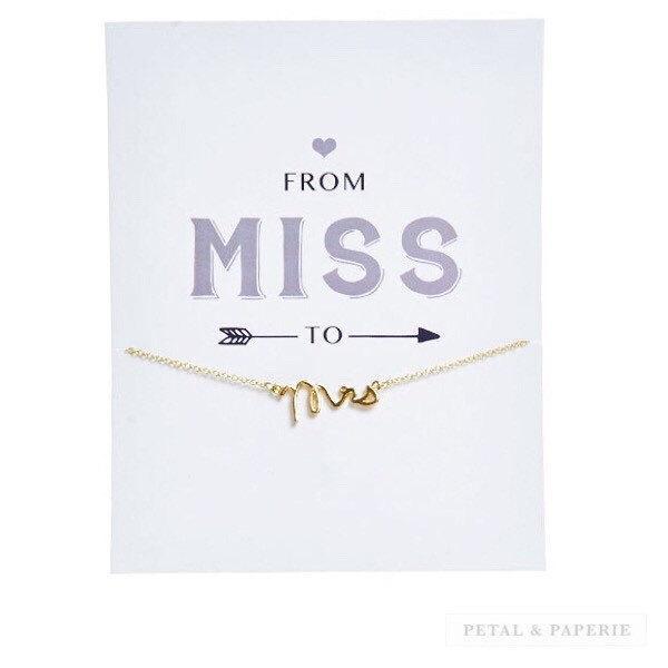 زفاف - GOLD ~ Gift for Bride ~ Mrs Charm Necklace ~ Card for Bride