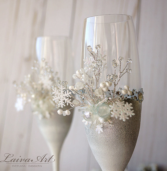 Wedding - Snowflakes Winter Wedding Champagne Glasses Winter Wedding Christmas Wedding Holiday Wedding Champagne Flutes