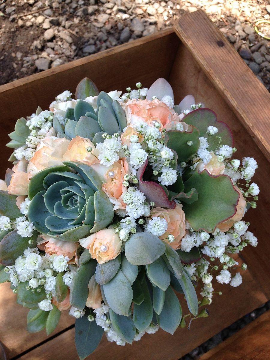 Свадьба - Wedding flowers, peach flowers with mint succulents