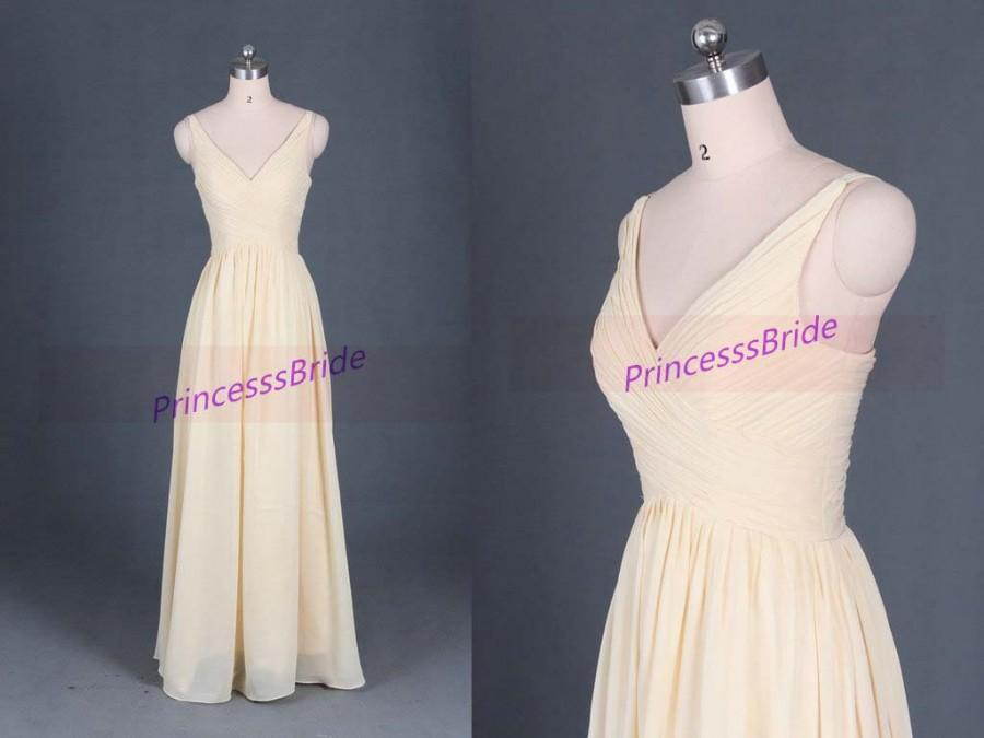 زفاف - 2016 long yellow chiffon bridesmaid gowns in stock,latest v-neck dress for wedding party,cheap simle bridesmaid dress on sale.