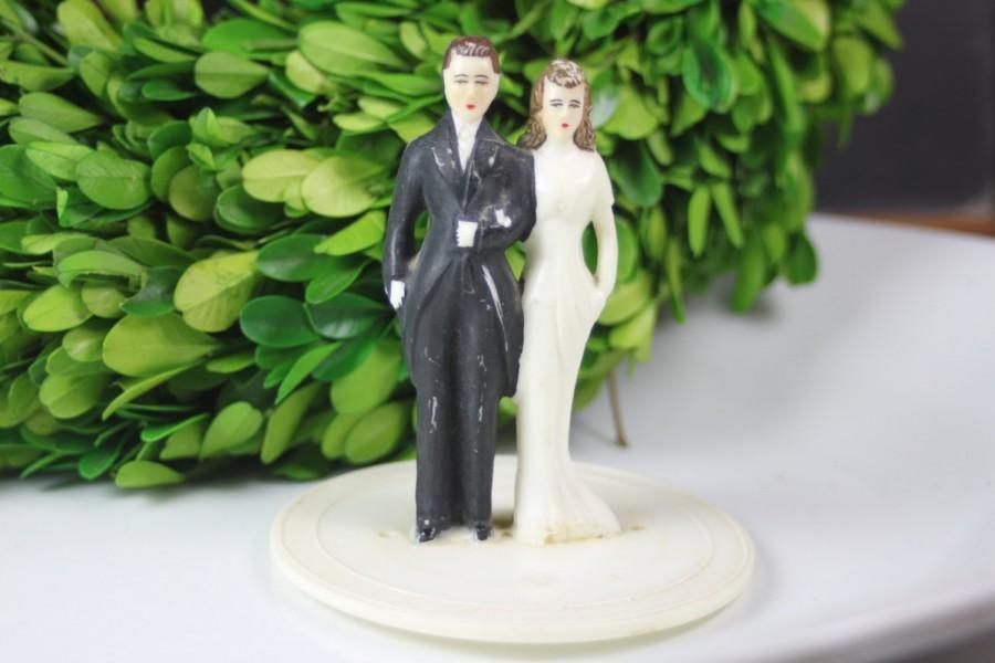 زفاف - Antique Wedding Cake Topper / 1940's / Brunette Bride and Groom