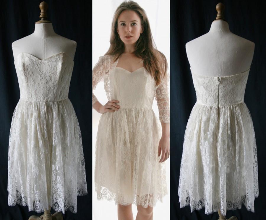 Mariage - Wedding short corset dress, French lace, Single model, Vintage 1980's