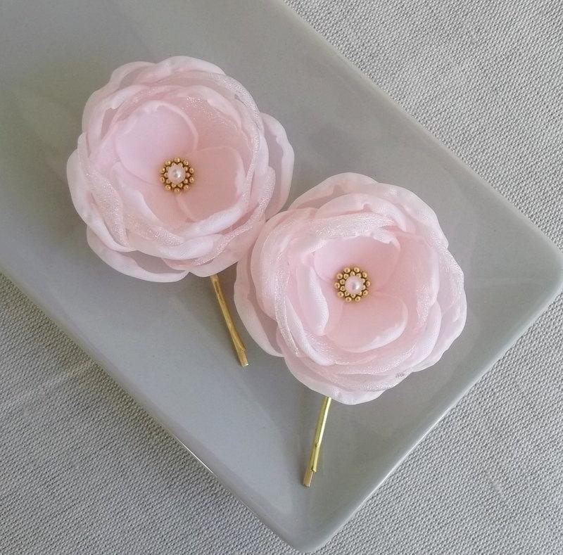 Свадьба - Pale pink flowers, Light pink flowers, Pink Bridal hair clip grip pin dress sash flowers Bridesmaids Flower girls gift Coral pink shoe clips