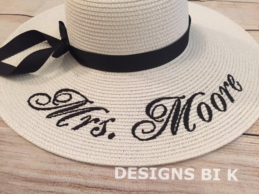 Свадьба - Floppy straw hat, Floppy beach hat, Personalized floppy hat, Monogrammed Bride hat, Bridesmaid monogram floppy hat, Bridal Shower Gift
