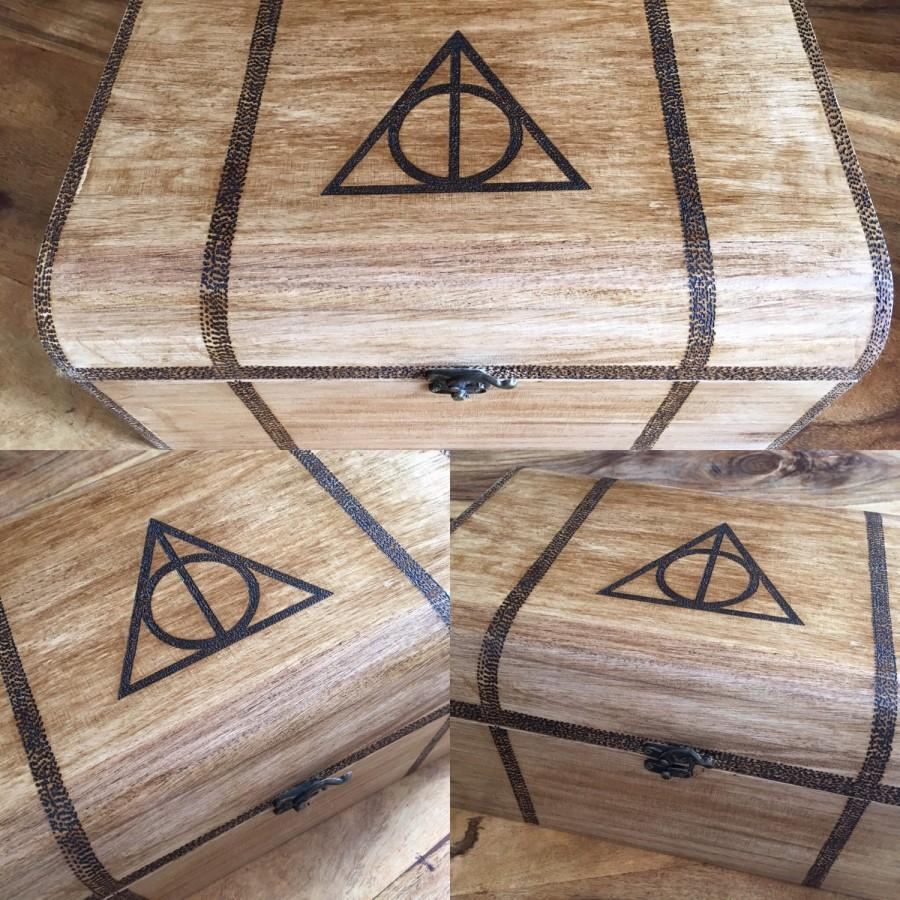 Свадьба - XXL Harry Potter, Hogwarts trunk inspired wooden chest with drop latch 35cm personalised, wedding box, unique box, custom