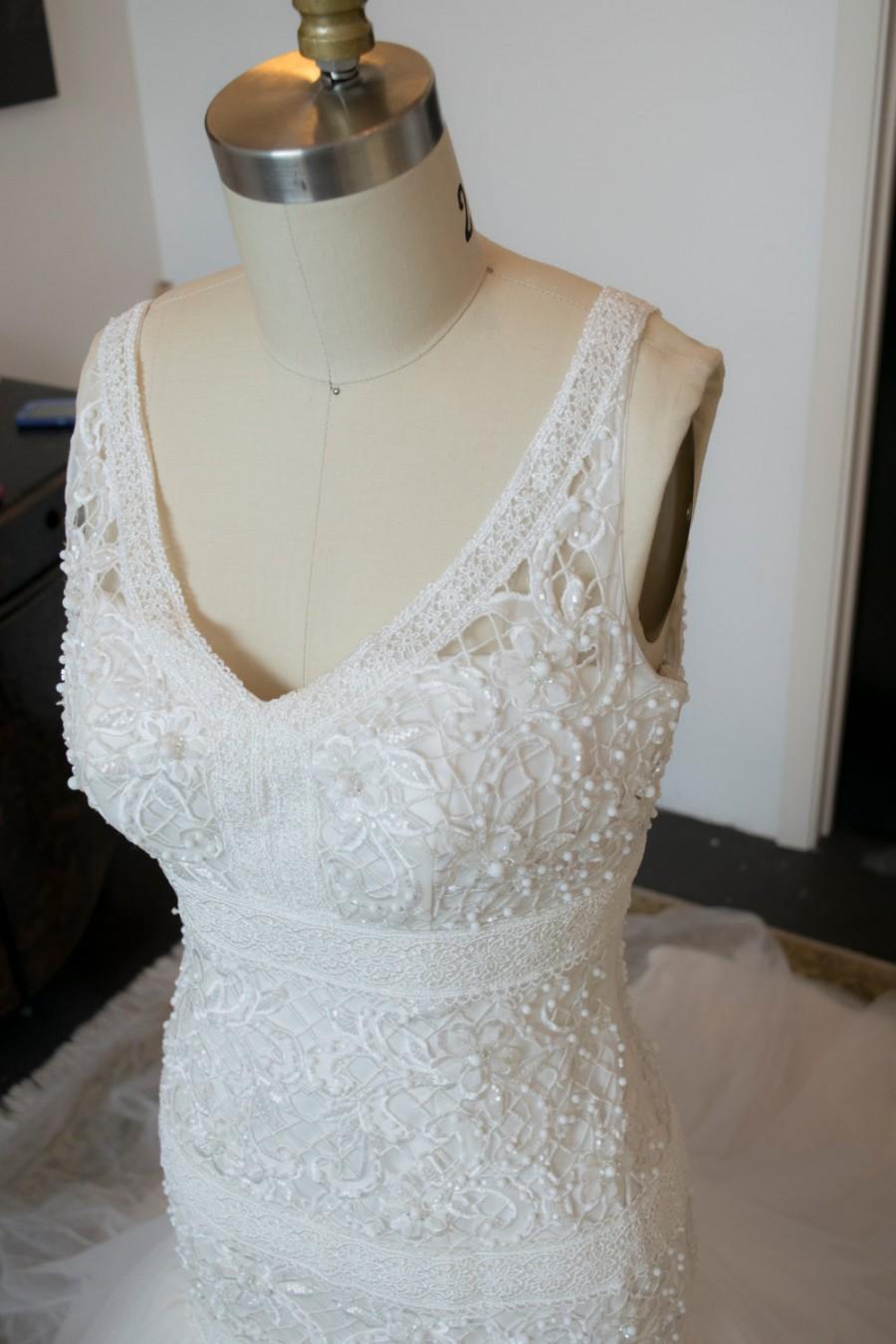 Mariage - Unique Crochet Lace Pattern Wedding Dress, Beaded Wedding Dress, Trumpet Wedding Dress, Long Train, Dramatic Wedding Dress, Lace Wedding
