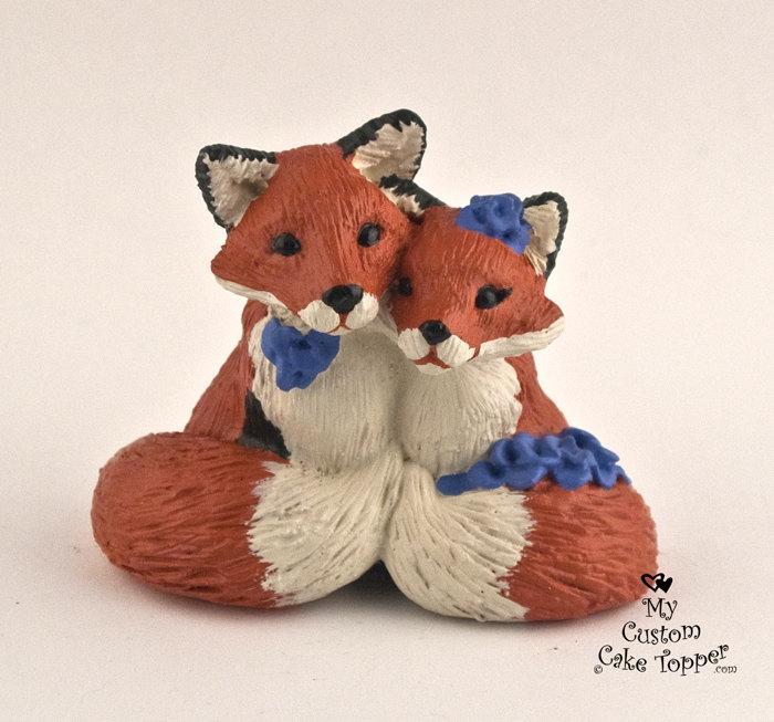 Hochzeit - Fox in Love Wedding Cake Topper