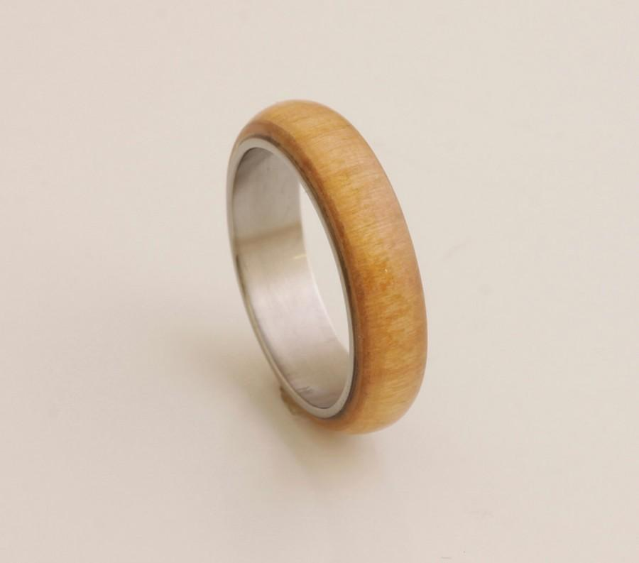 Mariage - titanium ring Man Ring with guava wood from my garden wooden ring