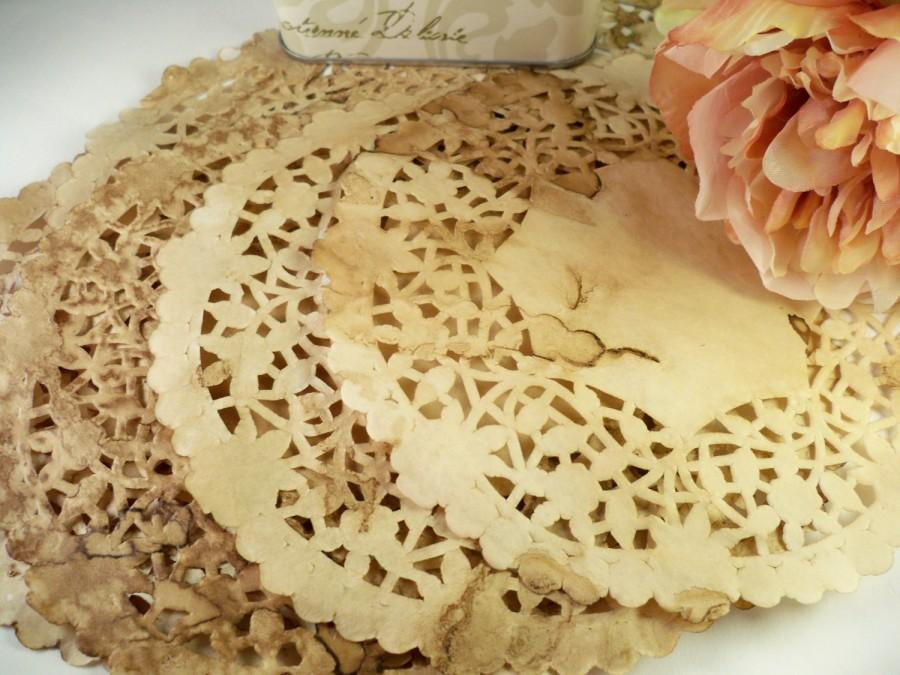 "Mariage - Vintage Wedding Doilies. Anthropologie. Bohemian. Paper Doily. 6"" Doily. Stained Doilie. Rustic. Country. Centerpiece. Gift Wrap. Set of 25."