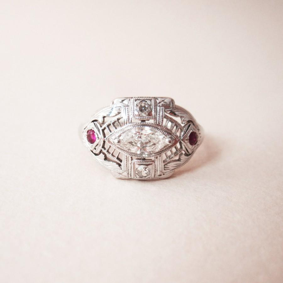 Mariage - Antique Art Deco Diamond and Ruby Engagement Ring - 18K White Gold