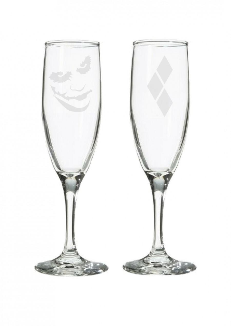 Свадьба - Joker and Harley Quinn Wedding Flutes, The Dark Knight, Joker, geeky nerdy wedding gifts, champagne toasting glasses, comic book wedding