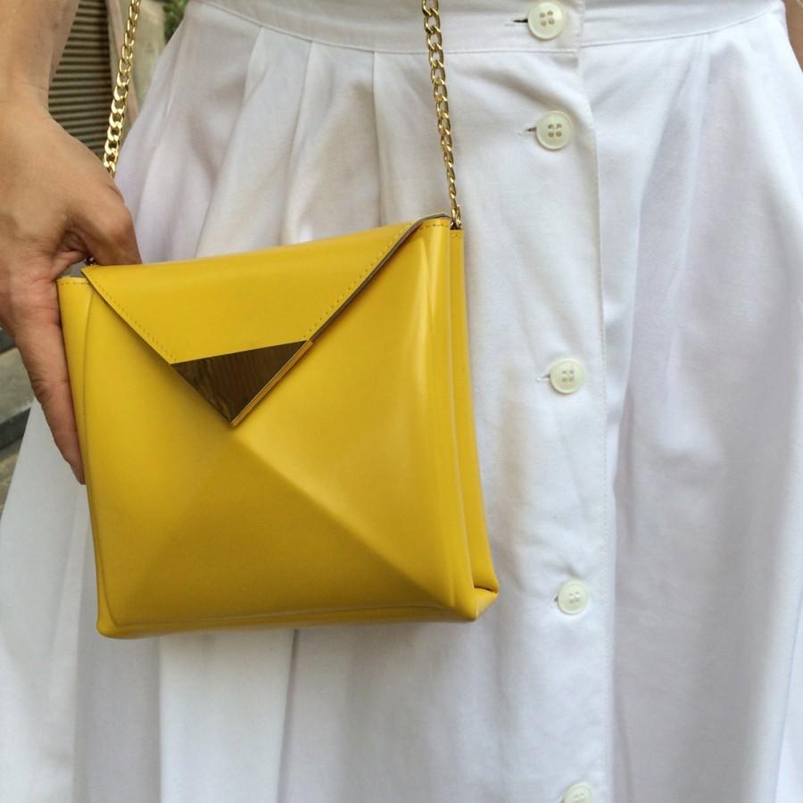 Свадьба - Bridal crossbody bag / yellow crossbody bag / vegan leather bag / vinyl crossbody purse / standout evening bag / fab yellow vinyl