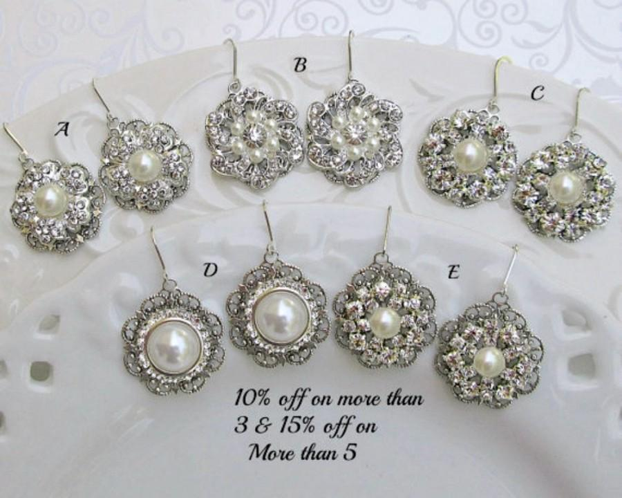 Mariage - Your Choice,Bridesmaid Dangle Earrings, Set of 3, set of 4, set of 5 pearl earrings, Pearl Dangle, Bridesmaid Earrings, Mix Match Bridesmaid