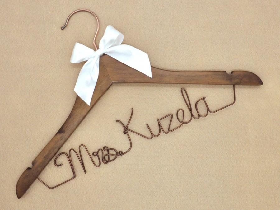 Свадьба - Wedding Hanger/ Personalized Bridal Hanger / Custom Hanger / Bridesmaid Gift / Bridal Shower Gift / just because gift