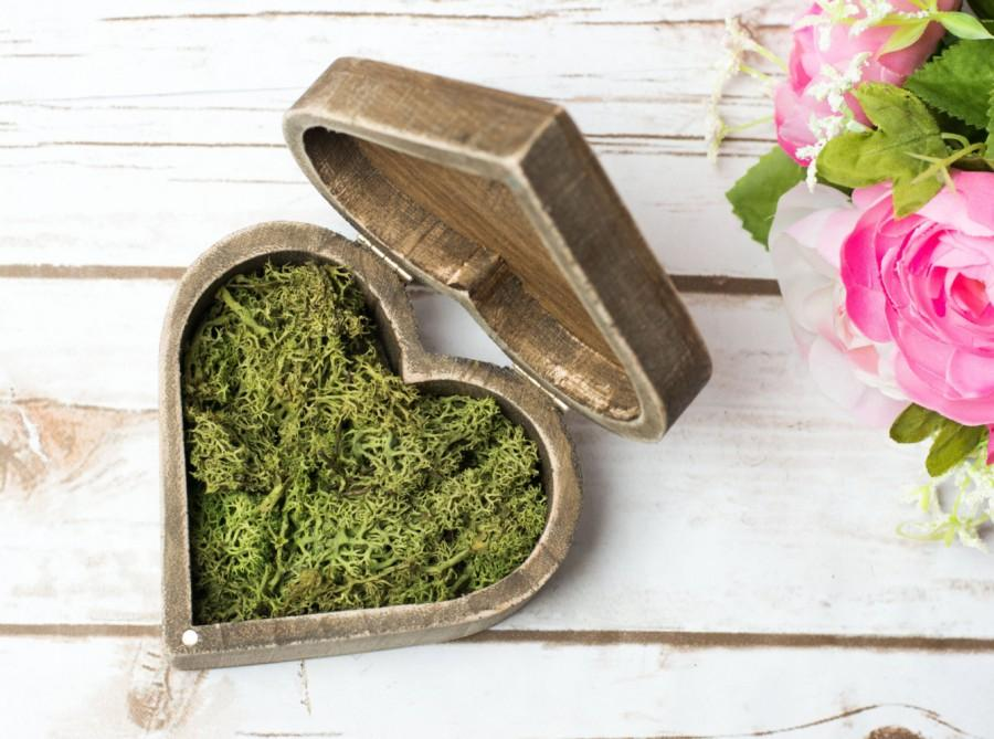 Mariage - Wedding Ring Box Moss Rustic Wedding Heart Box Personalized Ring Bearer Box with Moss ring pillow