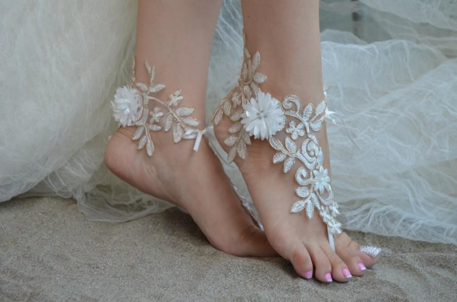 Mariage - ivory gold frame,Beach wedding sandals, ivory barefoot , french lace sandals, wedding anklet, Beach wedding barefoot sandals.