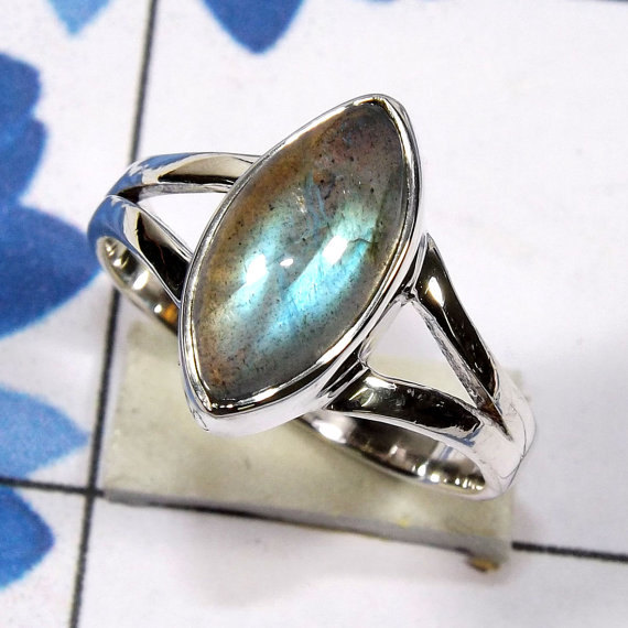 Hochzeit - Rainbow Moonstone Ring, Blue Fire Rainbow Ring, Labradorite Ring, 925 Sterling Silver Ring, Solid Silver Ring,Silver Ring, Gemstone Ring