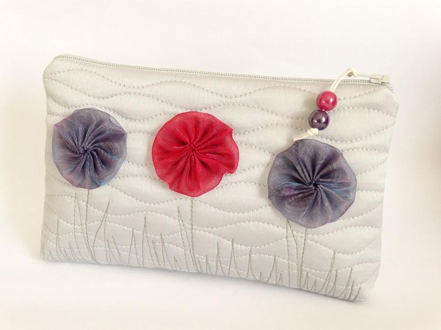 Mariage - Flower Girl Gift Idea, Silver Clutch with Red and Purple Flowers, Flower Girl Gift Bag, Coin Purse for Girl