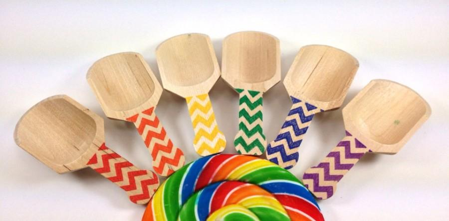 Mariage - 6 Larger Chevron  Wooden Candy Scoops, Pick the Color or Rainbow Polka Dot Stamped, Candy Buffet, Wedding, Showers, Parties, Crafting