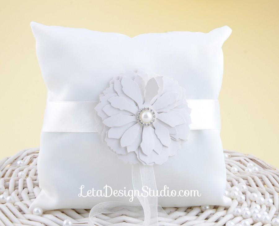 Hochzeit - Wedding ring bearer pillow with leatherette flower Ivory ring bearer Flower ring pillow Wedding ring cushion