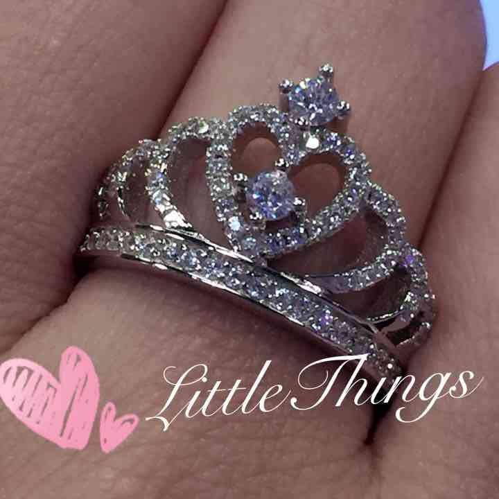 Hochzeit - Sterling Silver Princess Queen Tiara Crown Ring