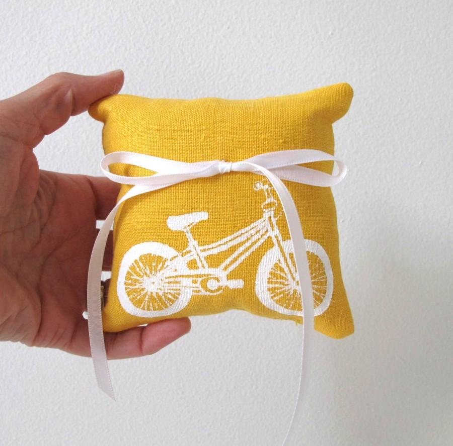 Свадьба - Ring Bearer Pillow Wedding Bicycle 4 x 4 inches - Choose your fabric and ink color
