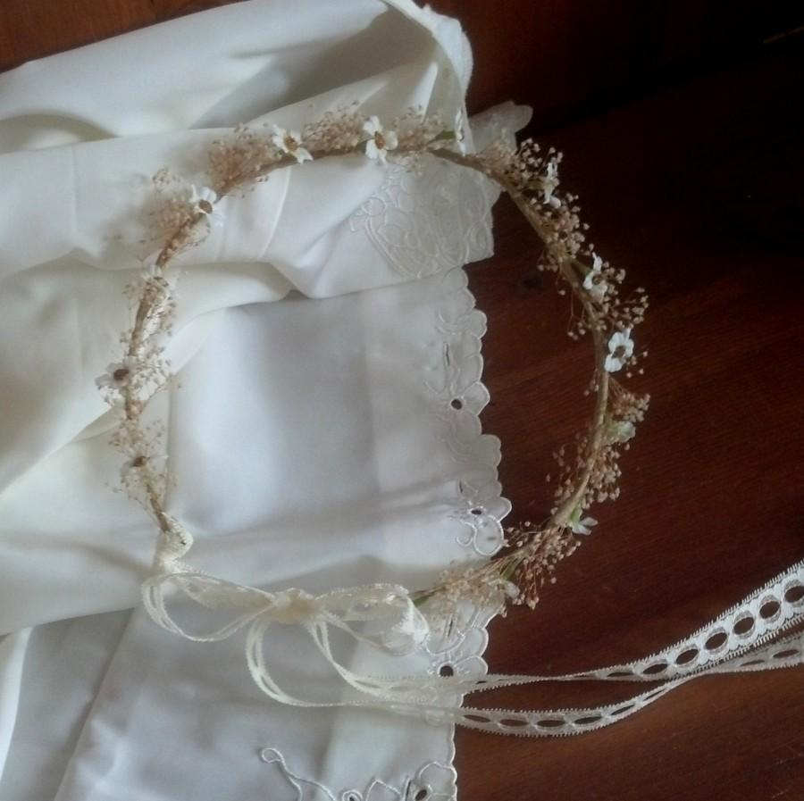 Свадьба - dried Flower crown Barn Weddings, babys breath, mini daisies bridal hair wreath lace tie floral garland Hippie costume headpiece halo