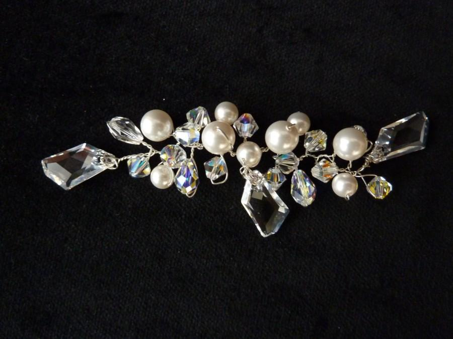 Mariage - Sparkling Swarovski Crystal and Pearl Bridal Hairpiece, Crystal  Wedding hair vine, elegant handmade Swarovski Crystal Bridal Hair Vine,