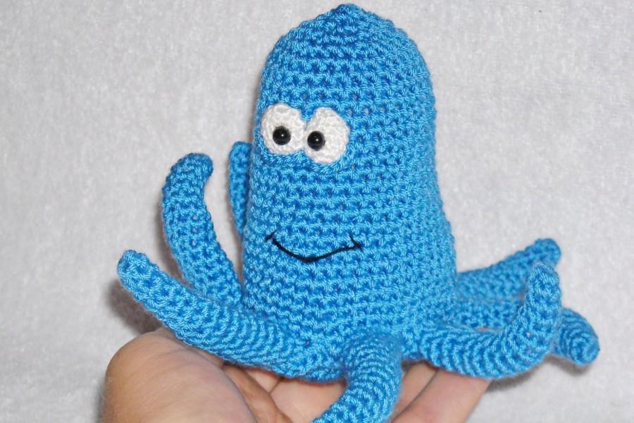 Ravelry: Amigurumi octopus pattern by Natalia Kononenko | 600x900