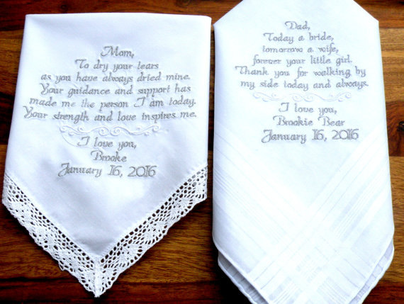 Mariage - Personalized Gift Mother or Father of the Bride Handkerchief Embroidered Handkerchiefs Wedding Gift for Mom and Dad By Canyon Embroidery