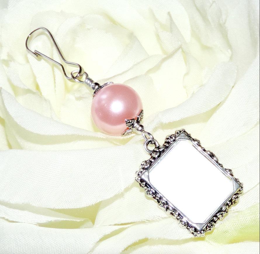 Hochzeit - Wedding bouquet photo charm. Pink, White, ivory, gold or blue pearl photo charm. Handmade wedding keepsake. Gift for the bride. Memory photo