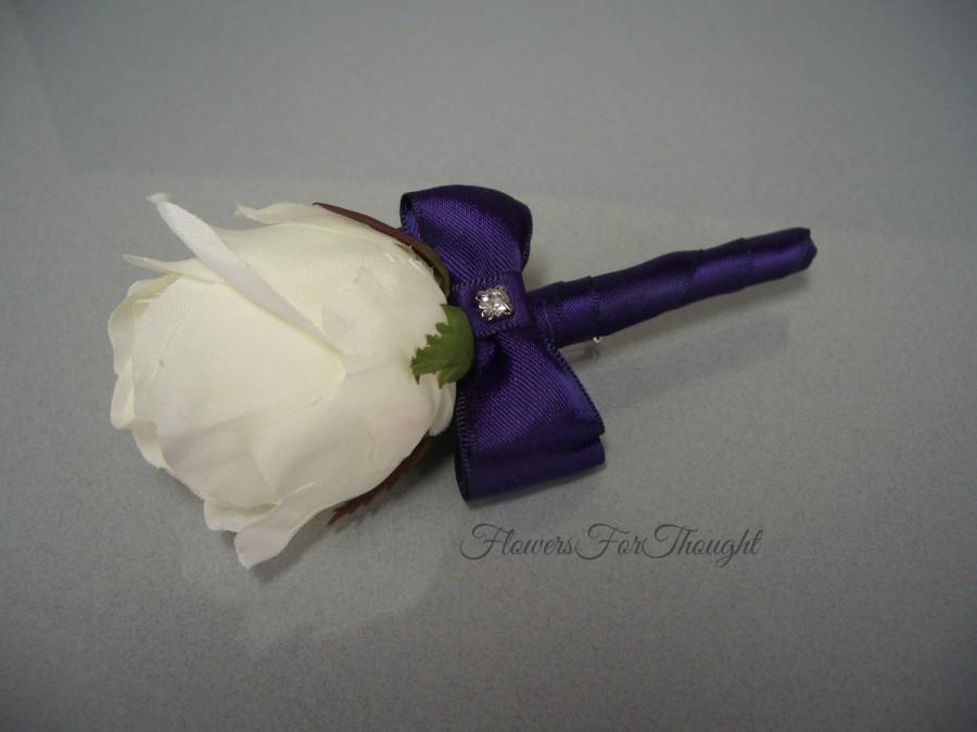 Свадьба - Rose Boutonniere, White Rosebud Lapel Flower, Mens Wedding Accessory, Groomsmen Silk  Buttonhole Bloom, FFT original design, Made to order