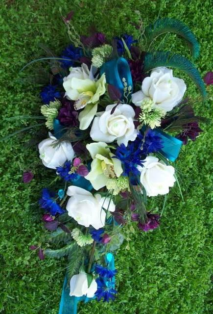 Mariage - Royal Peacock Wedding Flowers Bridal Bouquet Real Touch Roses and Orchids TeaL, PLuM, BLue, aND GReeN WeDDiNG FLoWeRS