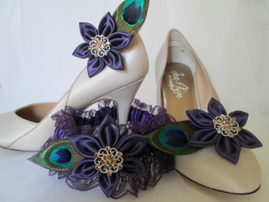 Hochzeit - Plum Wedding Garter & Purple Kanzashi Flower Shoe Clips, 2 pc Set, Peacock Shoe Clips, Peacock Purple Lace Garter, Prom Garters Accessories