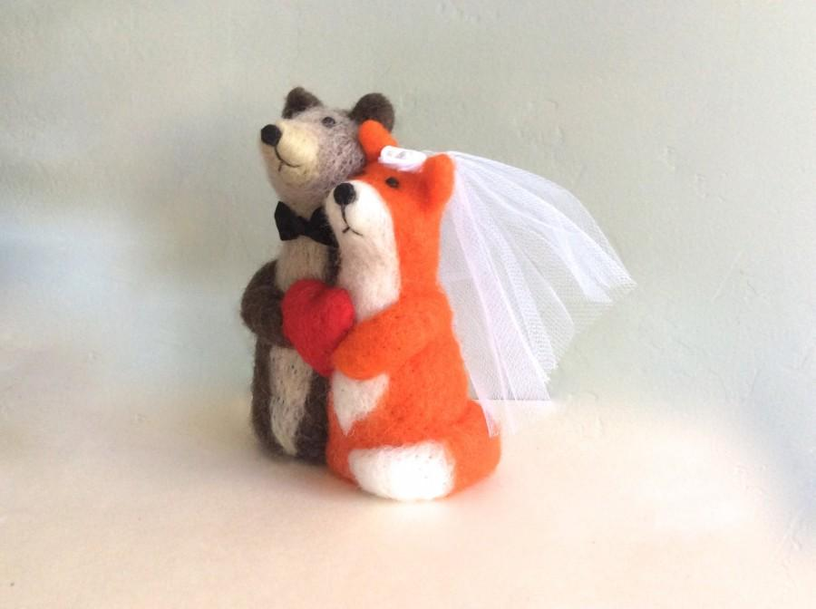 Свадьба - Unique wedding cake topper bride and groom Bear Fox bride and groom cake topper for wedding needle felted red heart  brown orange white cute