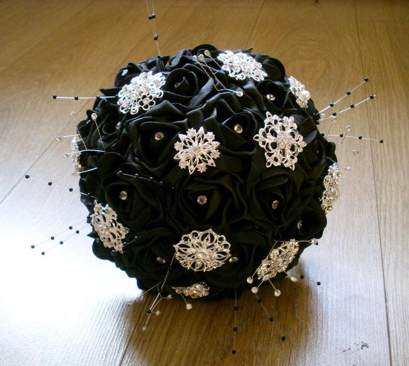Mariage - Foam Rose Brooch Bouquet Available in 7 Colours
