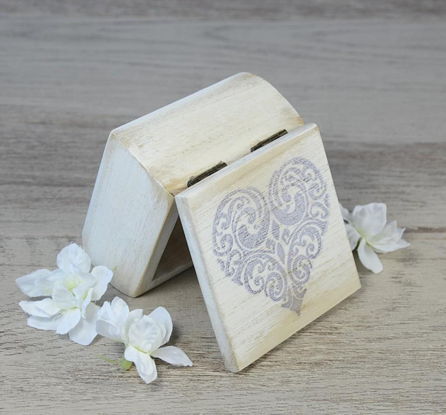 Mariage - Shabby White Ring Bearer Box, Wedding Ring Box, Ring Bearer Pillow Alternative, proposal ring box,  personalized, rustic, heart