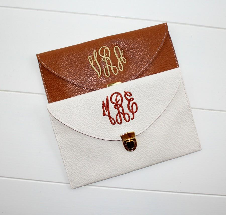 Свадьба - Monogram Clutch Purse Personalized Custom Embroidery Gift Prom, Birthday, Mothers Day