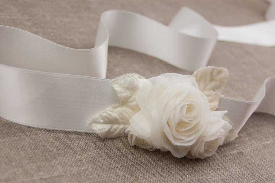 Hochzeit - Wedding bridal belt sash - Floral bridal belt - Bridal sash - Bridal belt - Wedding gown sash - Flower sash - Floral belt