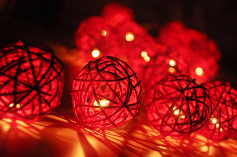 Свадьба - 20 Red Rattan Ball String Lights for Party Wedding and Decorations