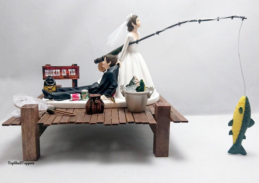 Свадьба - FISHING Funny Wedding Cake Topper Bride and Groom Custom
