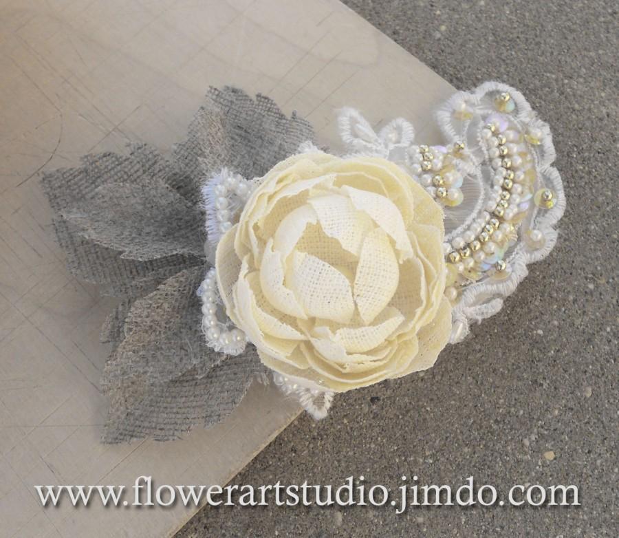 Свадьба - Champagne Color Bridal Hair Flower, Burlap Flower Hair Clip, Burlap and Lace Flower, Lace Headpiece, Shabby Chic Hair Clip, Rustic wedding.